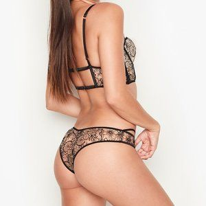 VS Embroidered Cheeky Panty Black Floral L